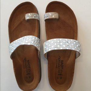 Rare White Naot Rhinestone Sandals Size 39 (8)